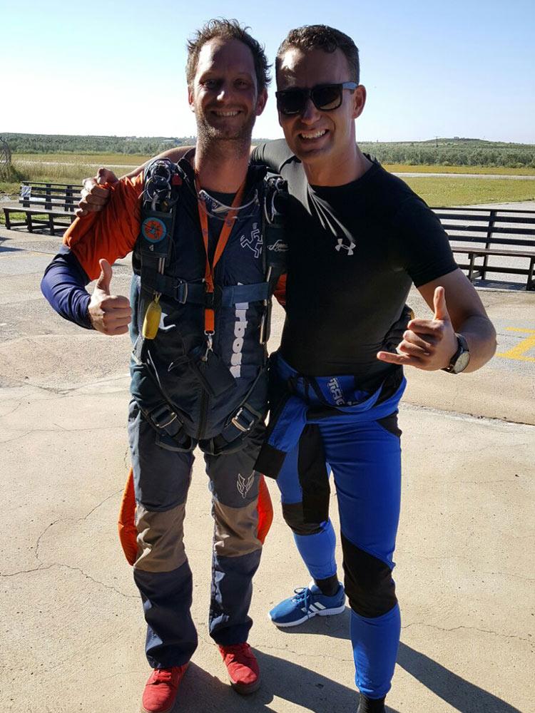Leren skydiven in Spanje
