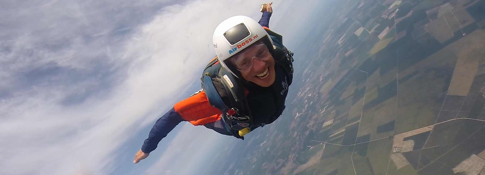 DO YOU WANT TO LEARN SKYDIVING?